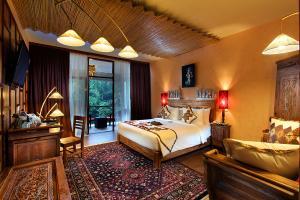 Deluxe-Suite-Bed-Room-(2)