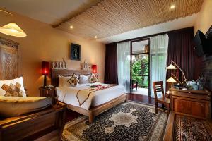 Deluxe-Suite-Bed-Room
