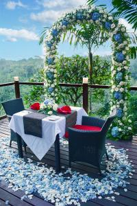 villa-4-romantic-dinner-2
